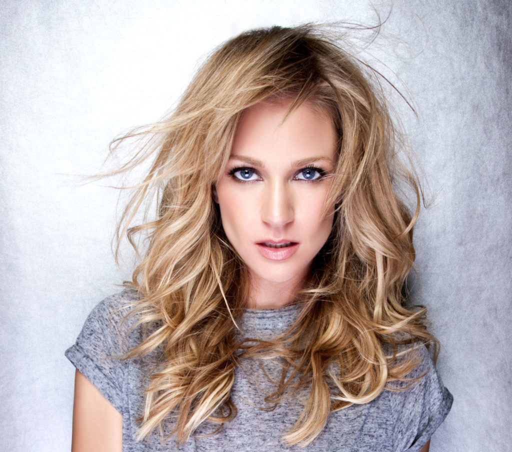 Actress A.J. Cook Wiki, Bio, Age, Height, Affairs & Net Worth
